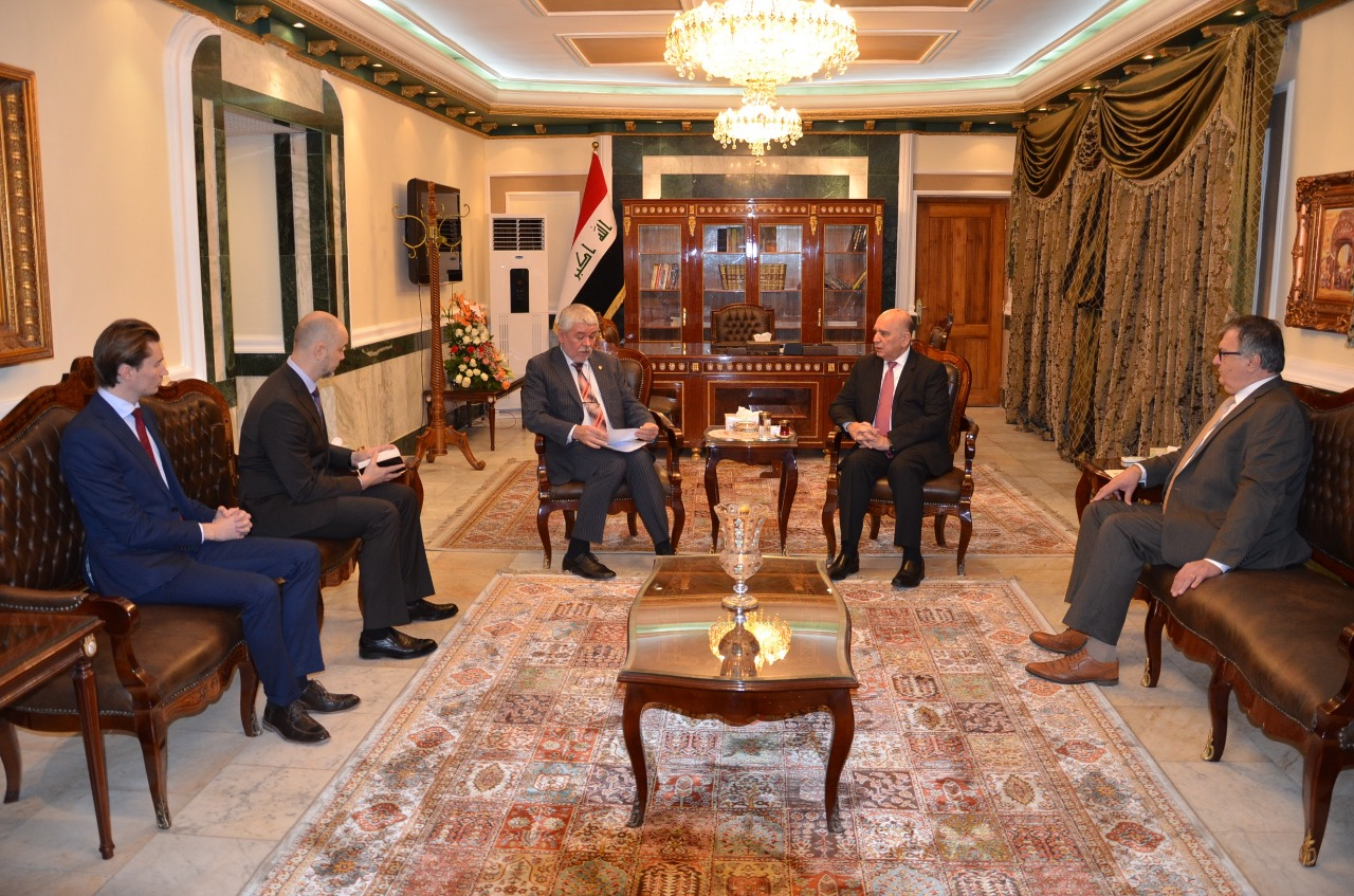 Deputy Prime Minister for Economic Affairs and Minister of Finance receives the Ambassador of Ukraine in Baghdad and the accompanying delegation 451cfa96-8d85-4905-b0f3-4e01a9919960