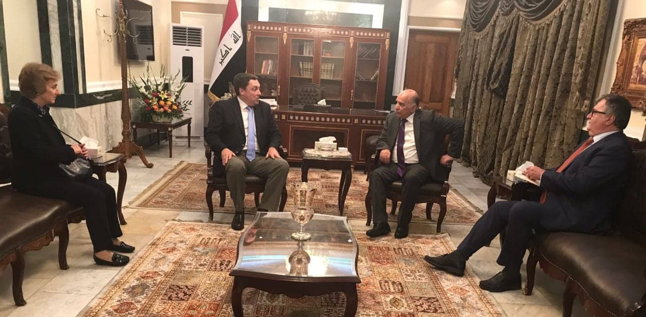 Deputy Prime Minister and Minister of Finance receives the Ambassador of the United Kingdom in Baghdad and his accompanying delegation 46144271_336098940274030_752177463634690048_n