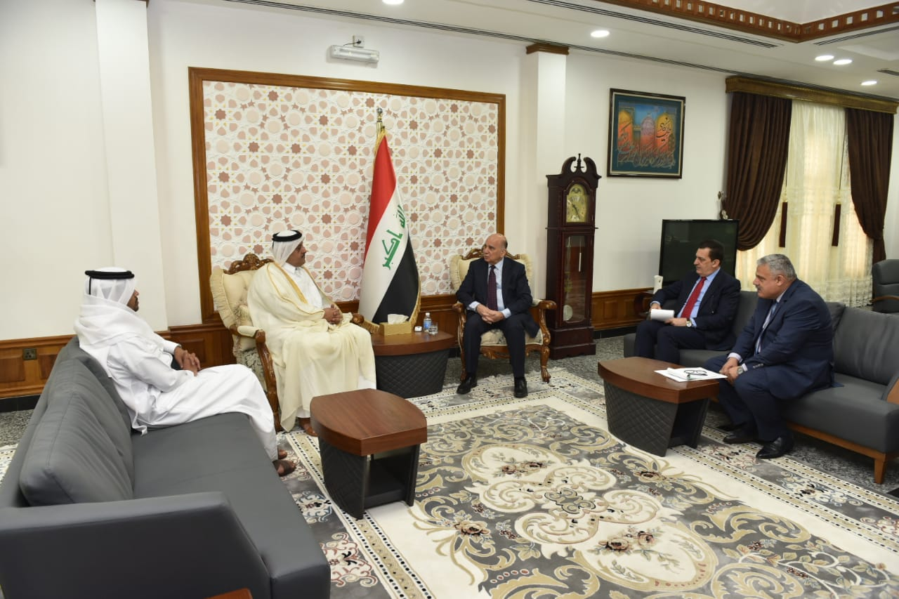 Deputy Prime Minister for Economic Affairs and Minister of Finance meets the Qatari Ambassador in Baghdad 47a93c94-b365-4461-b72b-afb25310a3e9