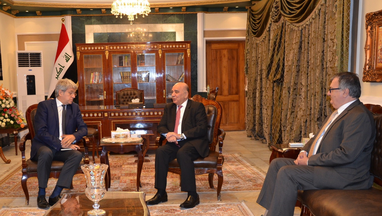 Deputy Prime Minister for Economic Affairs and Minister of Finance receives the Ambassador of France in Baghdad 647f735e-dc77-4146-bf39-6eaefe1dc8cb