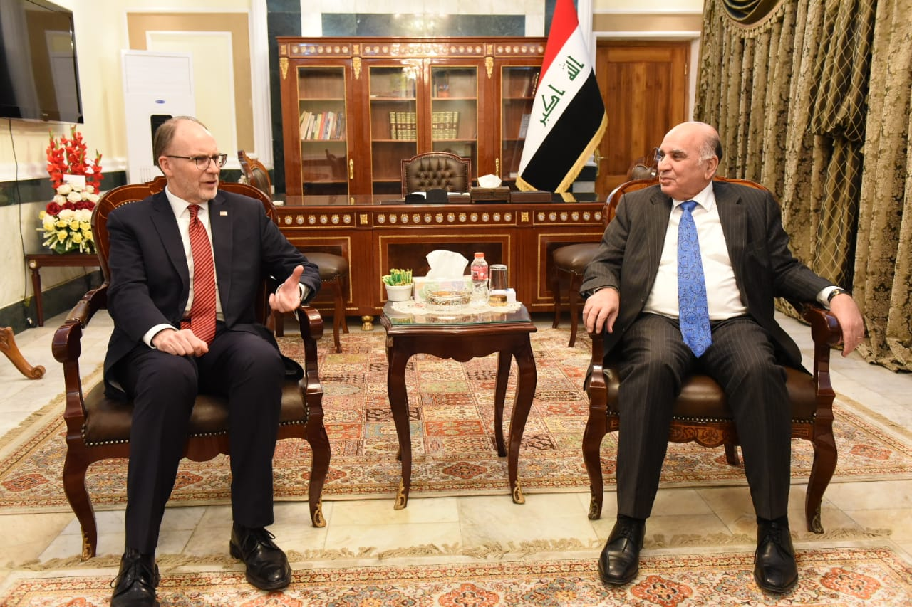 Deputy Prime Minister for Economic Affairs and Minister of Finance receives the US Ambassador in Baghdad 9f1c6b41-b20a-4ccd-b0e2-6e485274034a