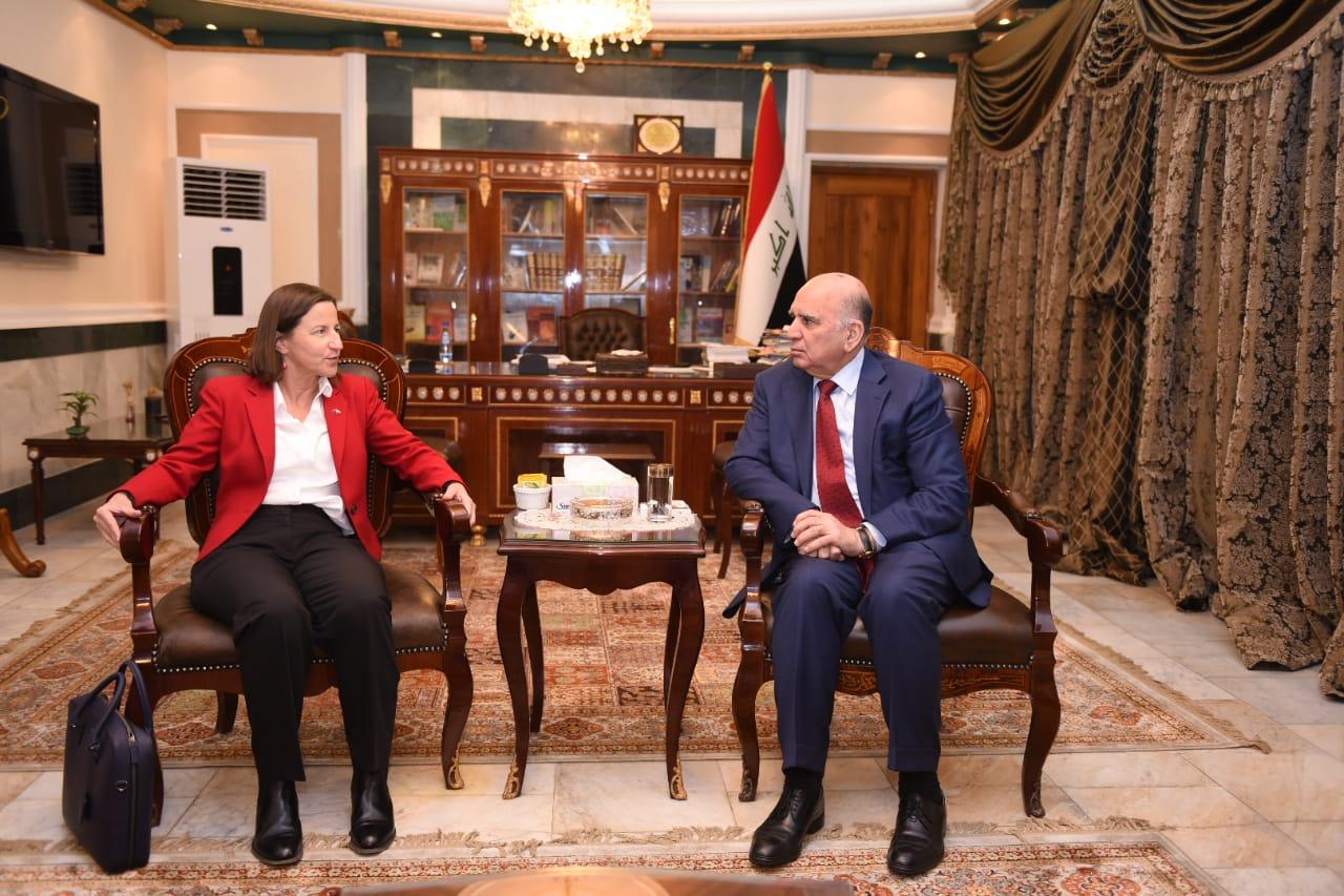 Deputy Prime Minister for Economic Affairs and Finance Minister Fouad Hussein receives the Australian Ambassador in Baghdad B2dfa899-04f2-47e2-ab79-948d1e2eeb3e