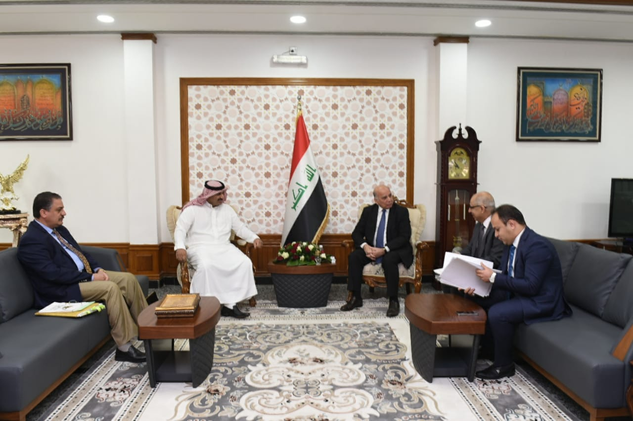 Deputy Prime Minister for Economic Affairs and Minister of Finance receives MP of Nineveh province Mr. Ahmed Jarba. D617fa81-859f-44bb-be65-f63eae01bd6d
